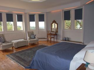 Master bedroom one - kingsize or twin - the best views in the house!
