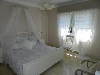 Villa Antibes with private pool. Great location near all services and beaches.