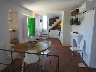 dining room / kitchen