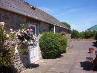 2 Glantraeth Farm Holiday Cottage