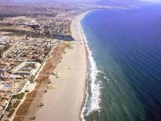 El playazo de Vera, linda playa de arena a 50 mts de la urbanización.