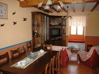 Casa Rural de 180 m2 para 9 personas en Cea