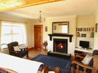 Carrickfinn Holiday Cottage with WiFi and Sauna.