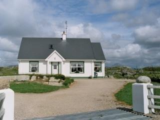 Carrickfinn Holiday Cottage 4* Failte Ireland approved