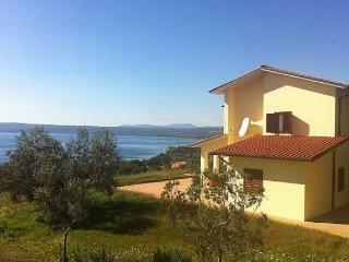 Bolsena - Villa with stunning view - Beach 2 min.