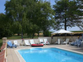 Le Grand Bois~ Petite Grange.Comfortable 2* rated for couples or small families.