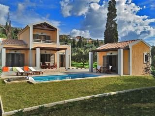Three-bedroom luxury villa withpool near Argostoli, Argostolion