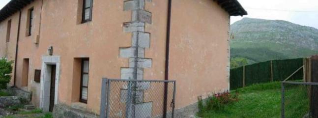 Casa para 7 personas en Ribadesella, vacation rental in Caravia Municipality