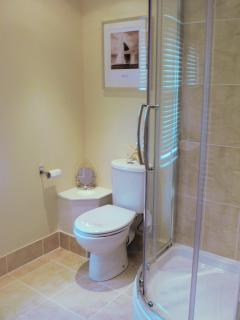 The Hamptons - Newport Bay Suite - Ensuite