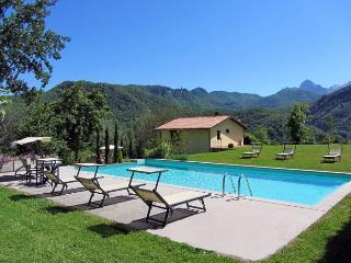3 bedroom Villa in Lucca, Tuscany, Italy : ref 2017803, Castelnuovo di Garfagnana