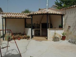 Casa Rural de 260 m2 de 4 habitaciones en Peral, E, El Peral