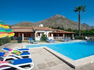 5 bedroom Villa Vora, one level, 15mins walk beach, Port de Pollenca