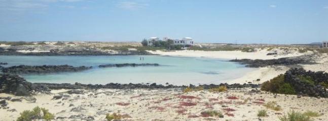 Los laguitos beach