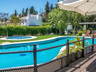 3 bedroom garden apartment, Puerto Jose Banus