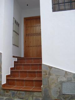 Puerta de entrada a la escalera