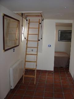 Escalera a dormitorio 2