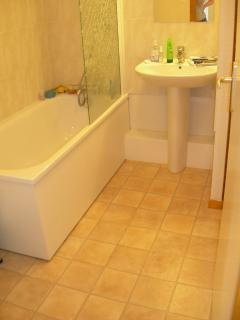 Family Bathroom with bath/shower over bath, sink and toilet
