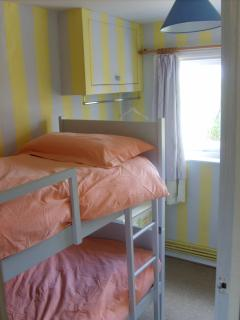 Small Bedroom (bunk beds)