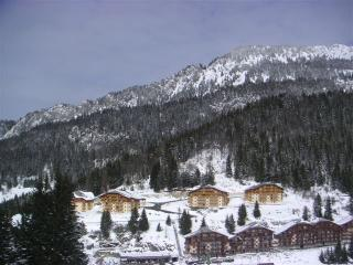 3-4 bedroom self catering ski and outdoor apartment in the French Alps