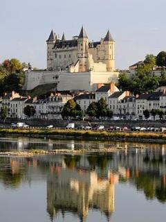 One of many chateau in this area to visite: Saumur, Chinon, Usse: sleeping beauty Villandry