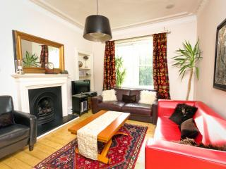 Excellent Edinburgh Holyrood Apartment