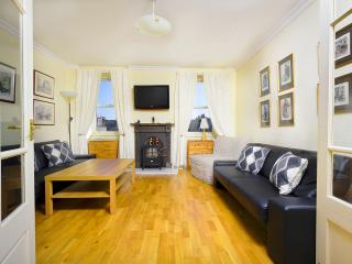 Large central apartment, Edinburgh