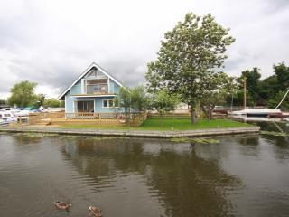 MALLARD VIEW, HORNING - Nofolk Broads Riverside  - Norfolkrivercottages