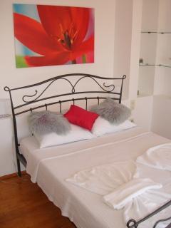 Double bedroom 2. Balcony and sea views . Ensuite
