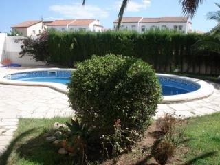 Villa EL SOL  preciosa Torre con piscina pivada