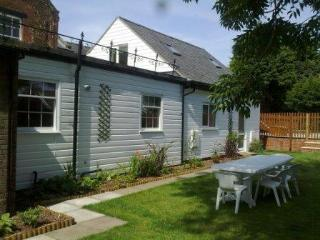 Orange House Self Catering Studio 1 mile to beach, Heacham