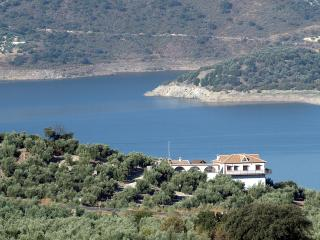 Lake Villa House