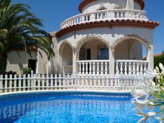 Villa EL SOL  preciosa Torre con piscina pivada, Miami Platja