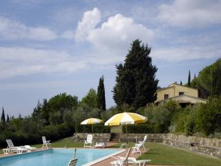 Farmhouse in hilly Tuscan countryside with great views and pool access, Montecatini Val di Cecina