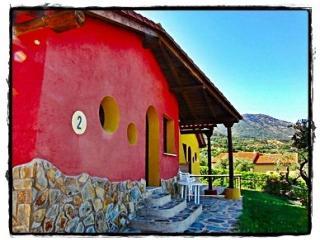 La Ondina del Madrigal, Casas del Monte