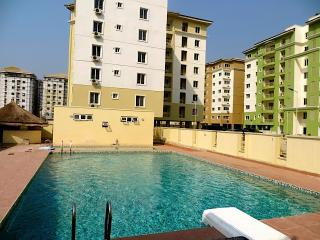 PENTFLOOR FLATS AT SAFE COURT APARTMENTS ELEGUSHI LEKKI LAGOS, Lagos