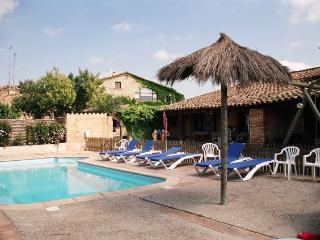 Casa rural 4 pers. terraza WIFI Piscina Chimenea, Llampaies