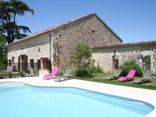 Gardes - 3 bedroom gite with private heated pool in Monflanquin