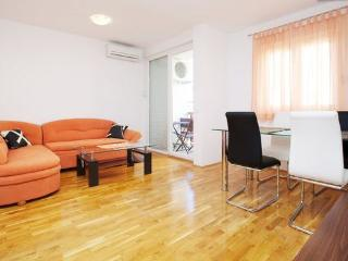 Apartment Lucia for 6, Trogir