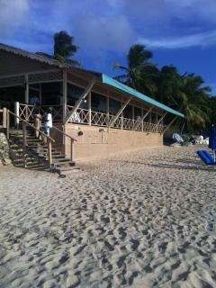 mullens beach bar