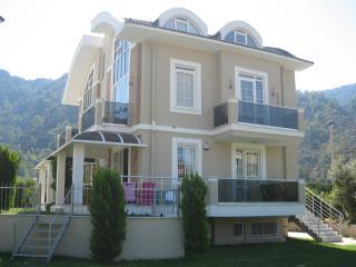 Lal Residence Apt.2, Icmeler