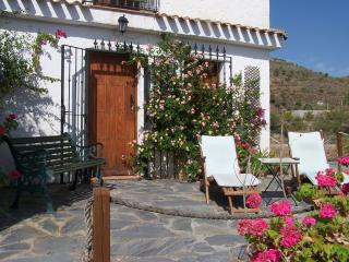 Rambla - 1 bed apartment on 2 acre finca and a  5 minute walk  to village