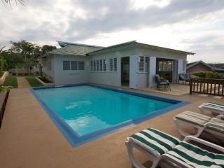 Kamarr Villa  - 1 Bedroom, Silver Sands