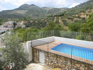 Casa Rural de 200 m2 de 4 habitaciones con Piscina y Excelentes Vistas