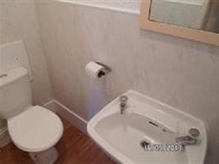FLAT 1 BATHROOM/SHOWER