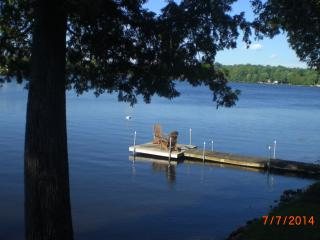 Quaint Cottage on a Lovely Waterfront Property, cl, Minden