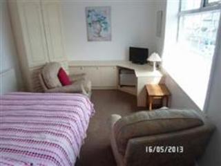flat 4 longe/bedroom