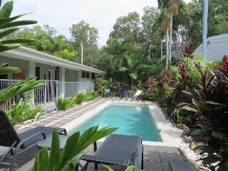 Mahaloa Beach House at Palm Cove/Clifton Beach