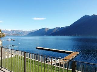 Argegno Fronte Lago