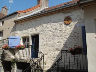 'Les Trois Croix'  Maison 1, Santenay, Cote d'Or