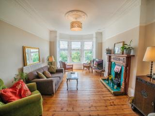 Glasgow - Award Winning Deluxe 3 Bed Apartment!